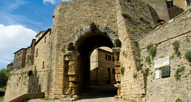 Volterra, Tuscany: the ancient walls of the city